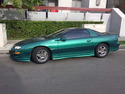 1998 CHEVROLET CAMARO fair running condition green w beige leather int drivers seat needs repair