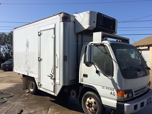 2005 ISUZU NPR BOX REEFER Diesel with auto runs great 294K miles 6800 obo