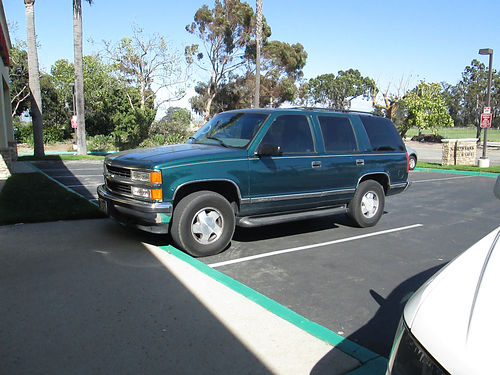 1997 CHEVY TAHOE 4x4 auto V8 tow pkg rblt trans new tires AC stereo all power everything w