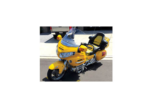 2002 HONDA GOLDWING 1800A2 - 64K mi cust seat extra wshield current reg ABS CB eng guards fu