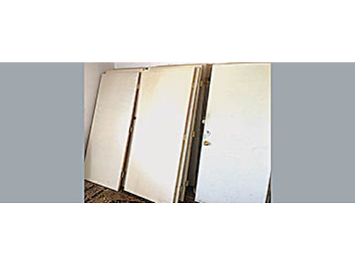 25 SOLID CORE DOORS - In excellent condition 25 each Size 36 wide 80 Tall Some have hinges a