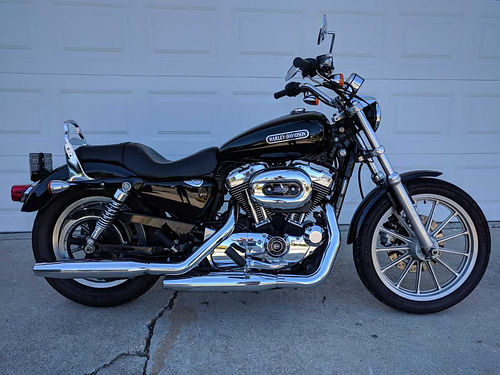 2009 HD 1200 LOW SPORSTER 45 gallon tank newer Avon tires recently serviced 12750 miles Garag