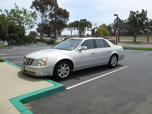 2006 CADILLAC DTS Auto V8 4dr loaded lthr snrf AC CD newly tinted 89K orig mi just servic