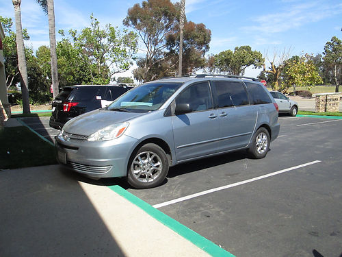 2004 TOYOTA SIENNA Auto 6 cyl 8 passenger all power everything works AC CDcass stereo runs