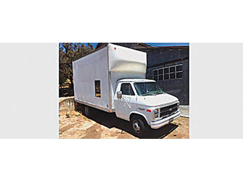 1988 CHEVROLET G30 Aluminum box cargo moving van 350auto only 112k miles smogged new seats stere