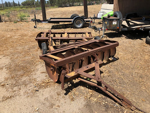 6 FT OFFSET DISC drawbar with wheels new discs selling for 1200 obo