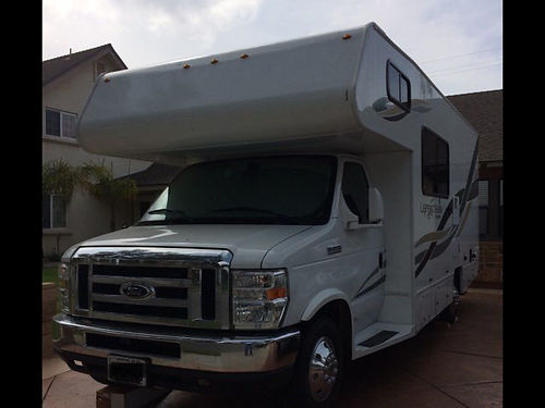 2013 COACHMAN LEPRECHAUN 21 class C Ready for road trip Great cond 91K mi Ford E350 Eng slee