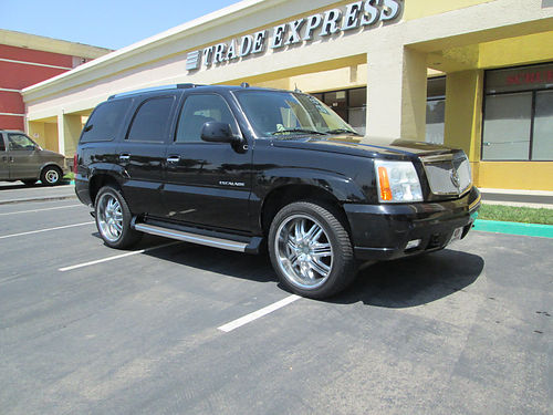 2004 CADILLAC ESCALADE auto V6 fully loaded AC 3rd seat tow pkg DVDCDNavi lther 77K orig