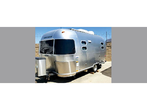 2005 AIRSTREAM INTERNATIONAL CCD - 19 solar panel satellite dish new full pillowtop mattress bed