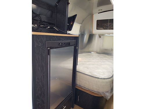 2005 AIRSTREAM INTERNATIONAL CCD - 19', SOLAR ...