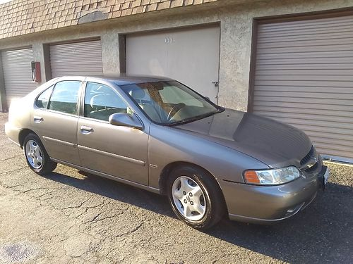 2001 NISSAN ALTIMA 69K orig mi all power smogged plates good until 1219 clean title 3500 yo