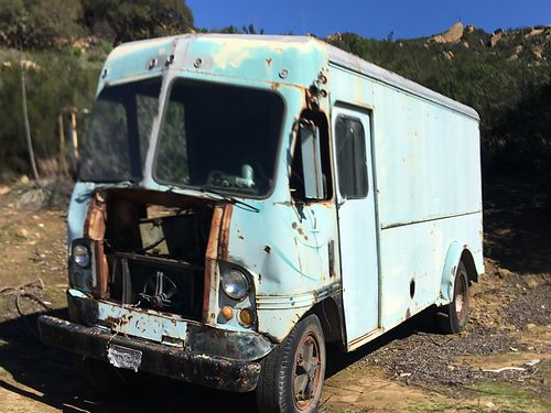 1963 BOX TRUCK old moving truck 4-speed V8 rear dual wheels needs master cylinder As-Is 1500 Cal