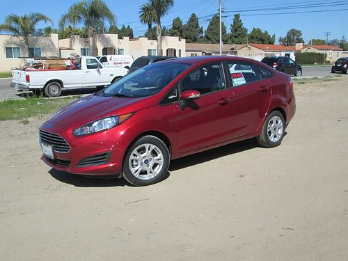 SOLD-2015 FORD FIESTA SE auto 4cyl 4dr fully loaded AC CD 8400 low miles Clean title well