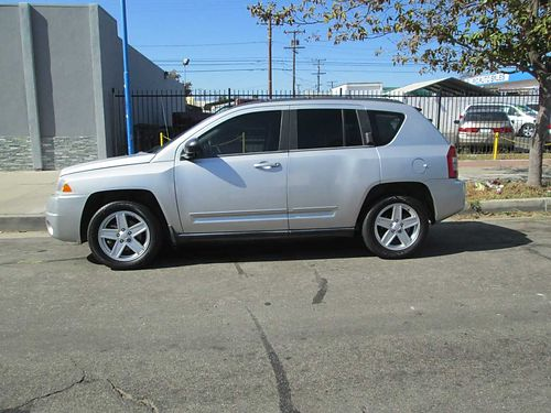 2010 JEEP COMPASS 4 WD Auto 4 cyl 63K mi great on gas new tires AC CD well maint xlnt cond