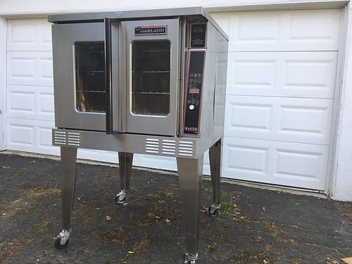 COMMERCIAL ELECTRIC OVEN- Hood Exempt - no hood needed Full size 5 Racks can deliver 3000
