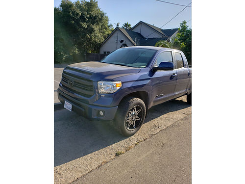 2014 TOYOTA TUNDRA EXT CAB auto V8 all power AC CD bedliner 30K miles well maint runs xlnt