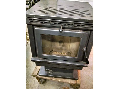 ENVIROFIRE Pellet Stove wpiping accessories 22Wx24Dx305H on pedestal 34K BTU heats 1500 sf