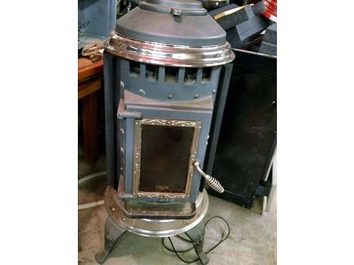 "PARLOUR 3000 PELLET STOVE W/PIPING ACCESSORIES 20""WX42""H, ..."
