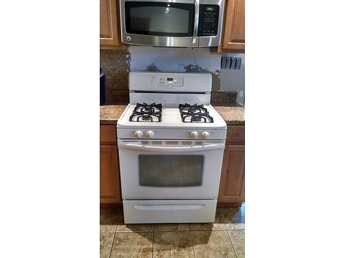 FRIGIDAIRE Gas Range Convection Self-cleaning clean GC 250