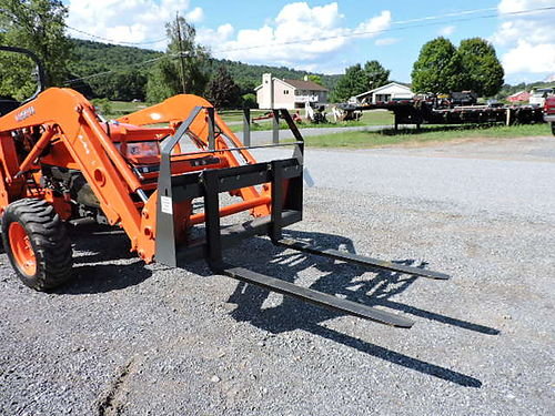 New Unused 2017 CID Xtreme 42 Compact Tractor Pallet Forks Skid Steer Quick Attach 455 Mark Supp
