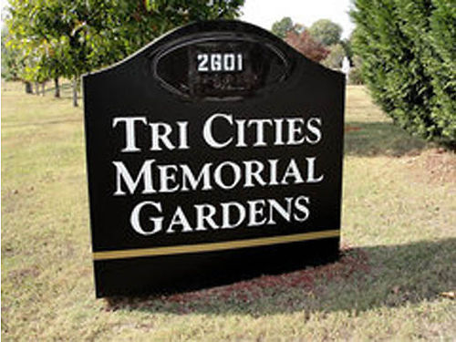 TRI-CITIES MEMORIAL GARDEN 2 cemetery plots lot  47 section D spaces 3  4 limited availablili
