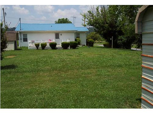 JONESBOROUGH TN 3 homes on 13 acres with outstanding mountain views property high  dry excellent
