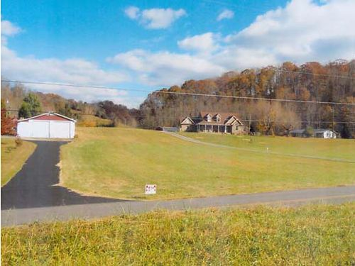 HILTONS VA Hwy 692 Otter House Rd 137acres 42x76 garage w2 additional garages inside 195 r