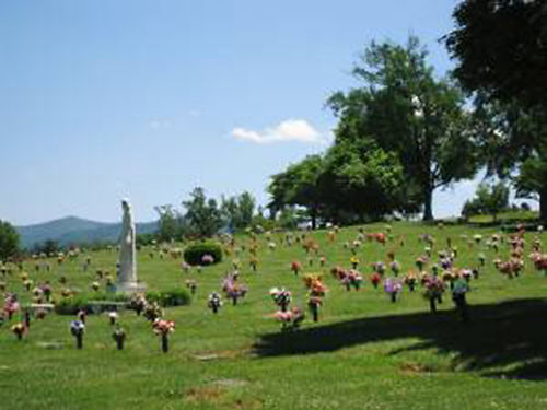HAPPY VALLEY MEMORIAL PARK 4 Burial Plots between Johnson City and Elizabethton great location 5
