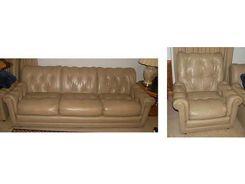 LIVINGROOM SUITE couch  chair leather from Leather Craft Inc removable cushions zipper on cush