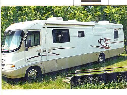 1999 HOLIDAY RAMBLER 36 Vacationer Series Ford motor 37-38K miles gas fully loaded plenty of st