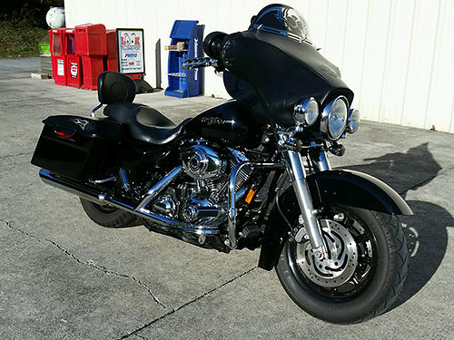 2007 HARLEY STREET GLIDE FLHX ostrich skin seat chromed out garage kept well maintained EC 109
