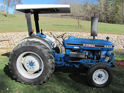 TRACTOR Ford 2810 series 2WD low hours excellent tires no sheetmetal damage incl remote valve