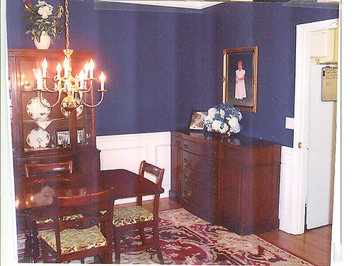 DINING ROOM SET solid mahogany drop-leaf table wself storing leaf 4chairs 1captain hutch wi