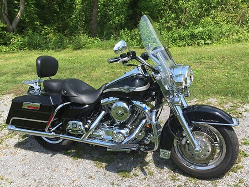 2003 HARLEY ROAD KING black 95 motor fiberglass saddlebags 18K miles new tires HD mags garage