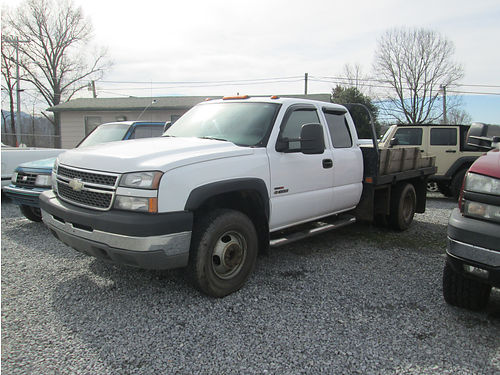 2005 CHEVY 3500 Duramax diesel 4x4 Silverado flatbed dually auto air step guards 187k miles 2