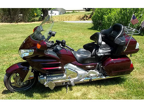 2007 HONDA GOLDWING Black Cherry Factory GPS system Reverse gear 19K Heated seat  grips garage
