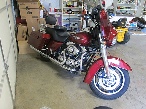 2009 HD STREET GLIDE 20k miles exc cond lots of extras garage kept new tires 12900 423-306-095