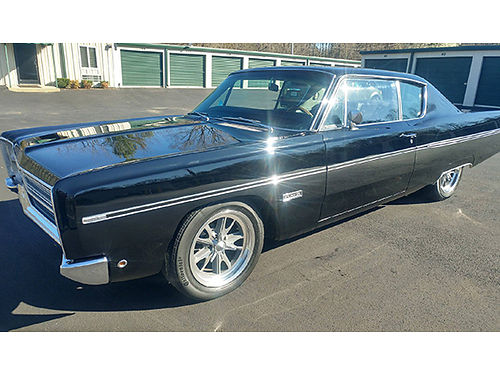 1968 PLYMOUTH FURY 3 Fastback 440 auto black air condition 17 wheels completley restored 12