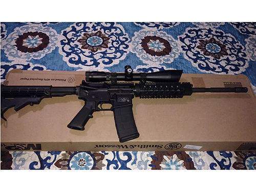 AR-15 Smith  Wesson MP PDX AR-15 Barska 4-16X50 long range scope only 20 rounds fired Comes w