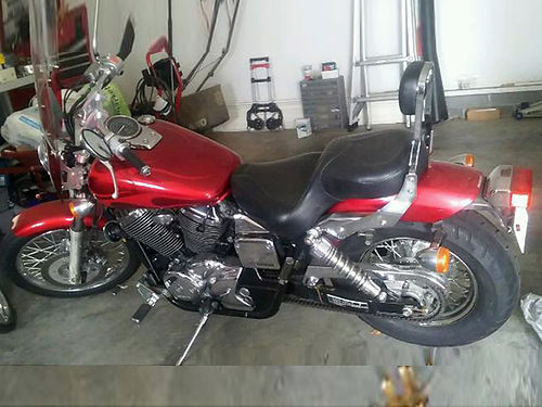 2003 HONDA SHADOW 750 red faring garage kept well maintained runs great only 9K miles incl 2