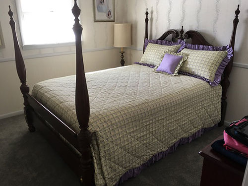 BED 4 post queen dark Cherry wood wTemperpedic boxsprings  mattress asking less than 12 pur