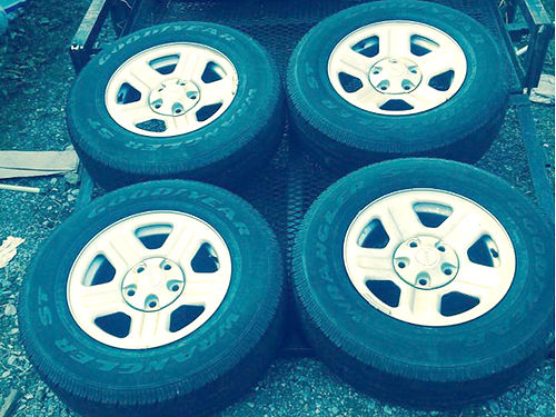 TIRES  WHEELS Jeep set of 4 P225-75 R16 nice wheels good wear on tires 175 will trade 423-61