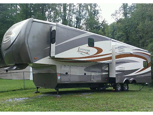 2011 HEARTLAND LANDMARK 37 5th wheel 3 slides dual roof air awnings self leveling jacks WD