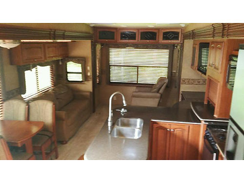 2011 HEARTLAND LANDMARK 37' 5TH WHEEL, (3) ...