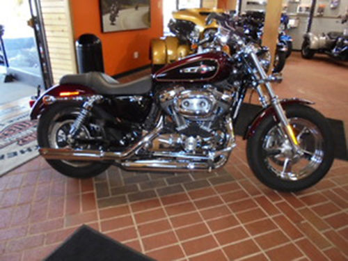 2015 HARLEY-DAVIDSON XL1200C Sportster 1200 Custom Low Mileage Sportster Local trade save BIG M
