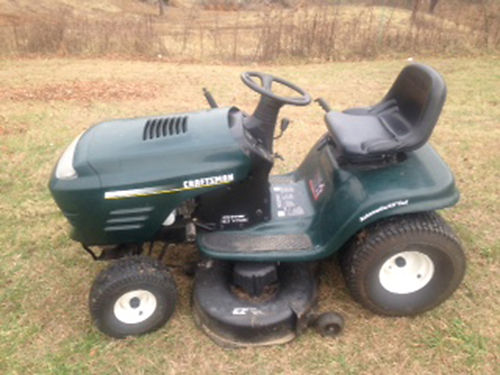 RIDING MOWER 42 Craftsman 185hp engine automatic serviced regularly solid deck runs great 45