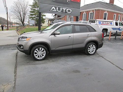 2011 KIA SORENTO EX AWD v6 heated leather psunroof 3rd row seating back up camera fully loade