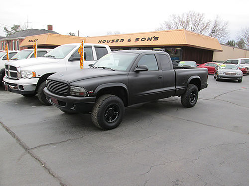 1998 DODGE DAKOTA Ex Cab 52 v8 5sp 4x4 fully spray lined finish too many extras to list Just p