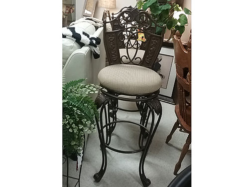 BAR STOOLS nice set heavy duty fabric seat 423-207-6676