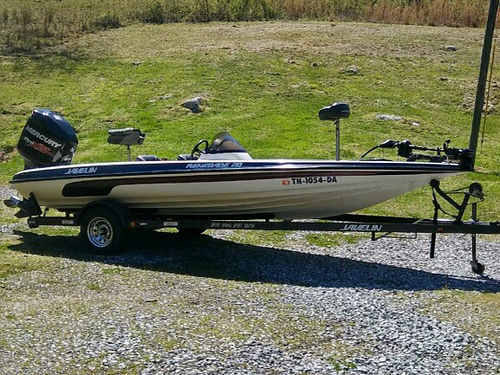 BASS BOAT 21 Javelin new Mercury 200hp Pro XS new 24V trolling motor hotfoot tilt trim onboar